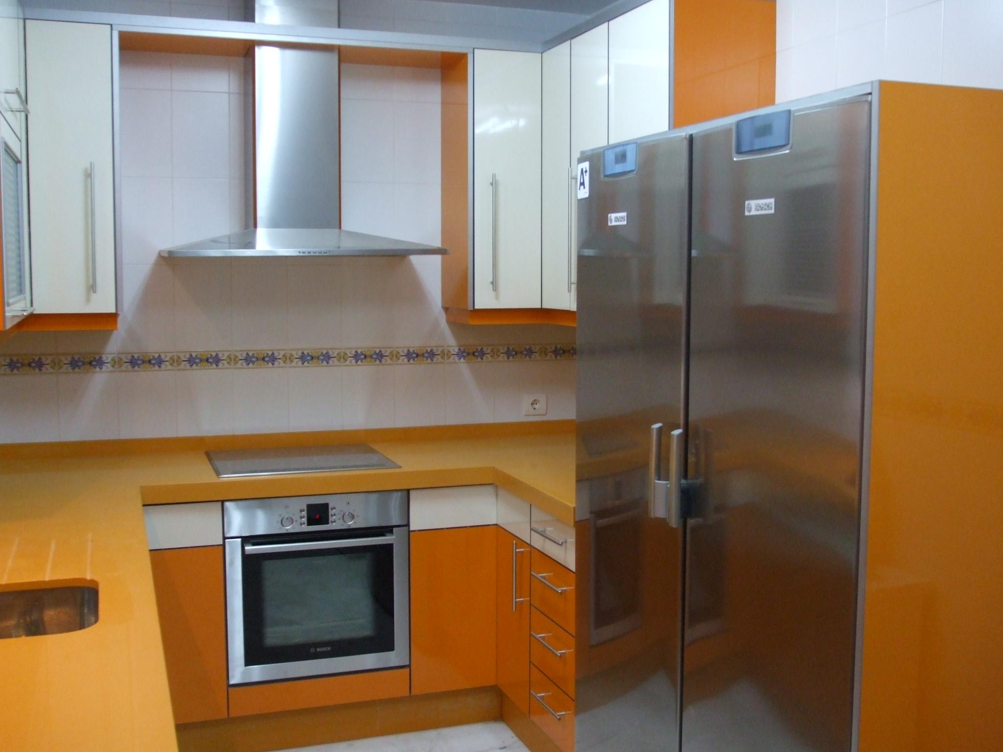 Cocinas modernas sevilla muebles leon for Muebles cocina leon